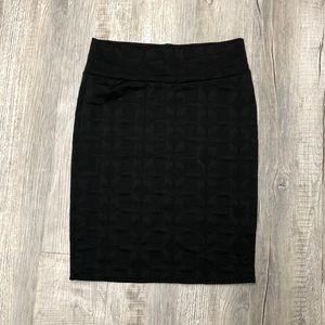 LuLaRoe XL Black textures Cassie skirt NWOT